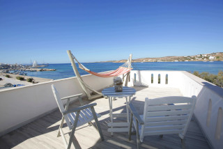 alexandras-family-rooms-in-paros