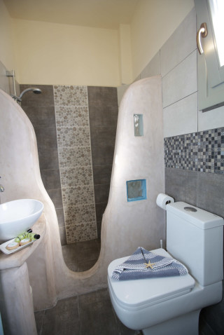 double-room-alexandras-rooms-bathroom