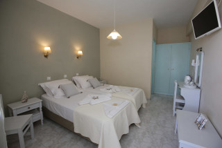 double-room-alexandras-rooms-bedroom-3
