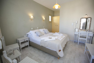 double-room-alexandras-rooms-bedroom