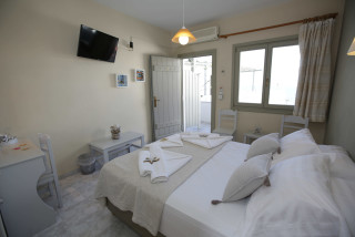 double-room-alexandras-rooms-interior