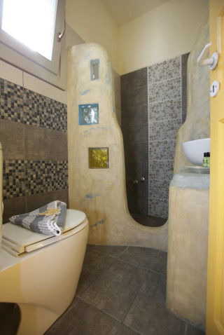 double-room-alexandras-rooms-shower