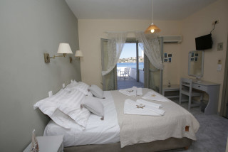 studio-2-pax-alexandra-bedroom-01