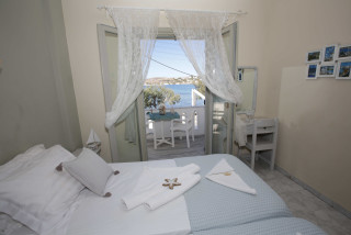 studio-3-pax-alexandra-sea-view-room