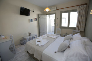 studio-alexandras-rooms-bed